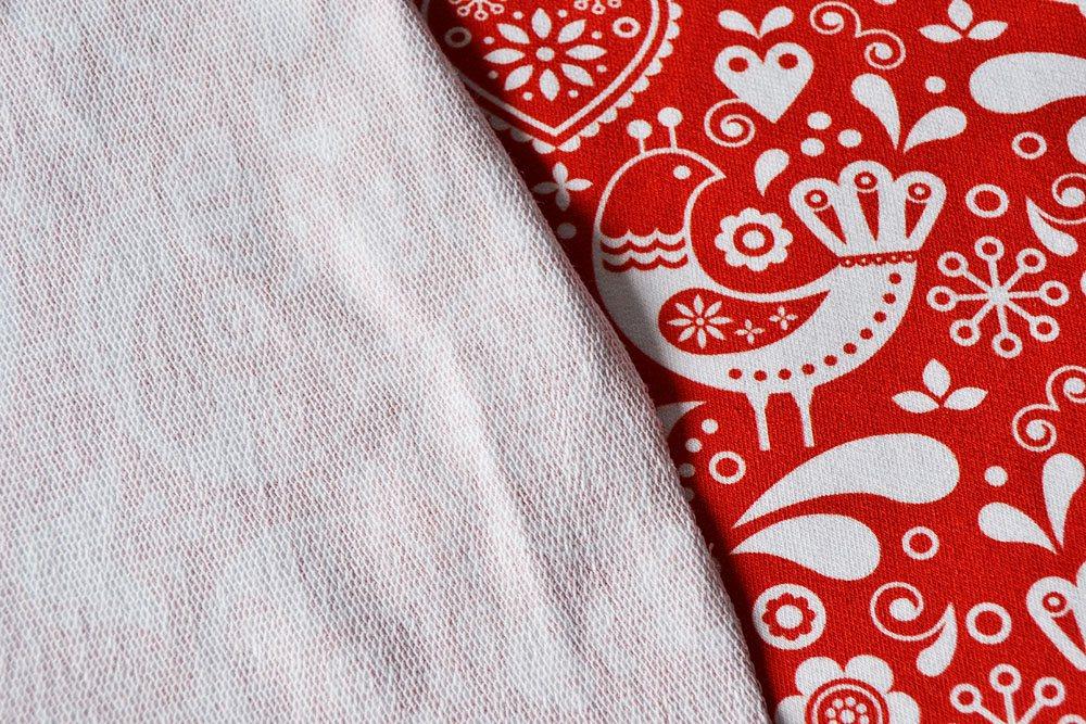 tessuto-felpa---uccellini-folk-disegno-4-bianchi-su-rosso