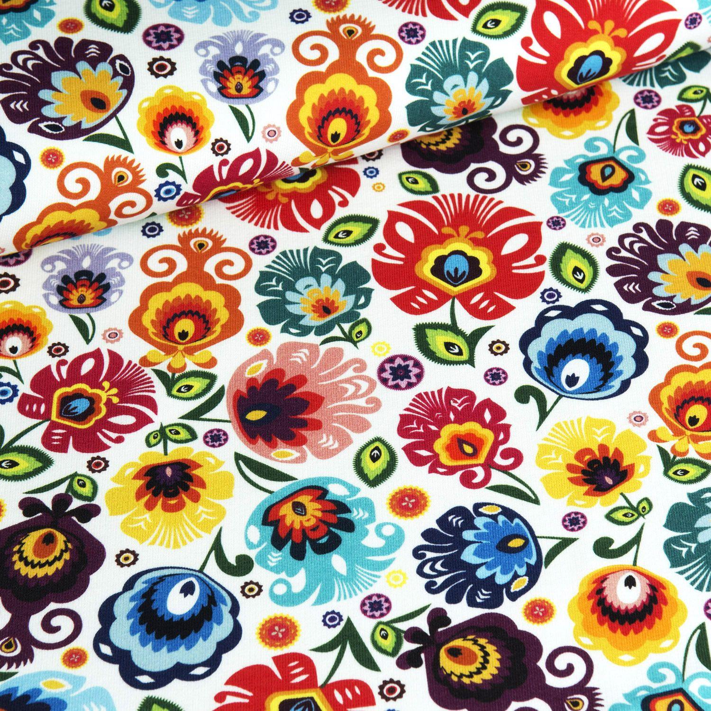 tessuto-jersey-fiori-folcloristici-su-sfondo-bianco